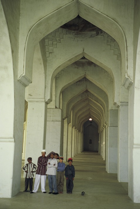 Gulbarga Masjid in fort